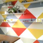 Como pintei minha parede de triângulos