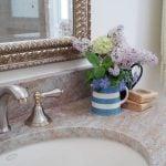 Soluções DIY para decorar seu banheiro sem gastar muito