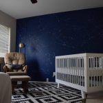 Pintura de parede especial – e espacial – para o quarto do bebê