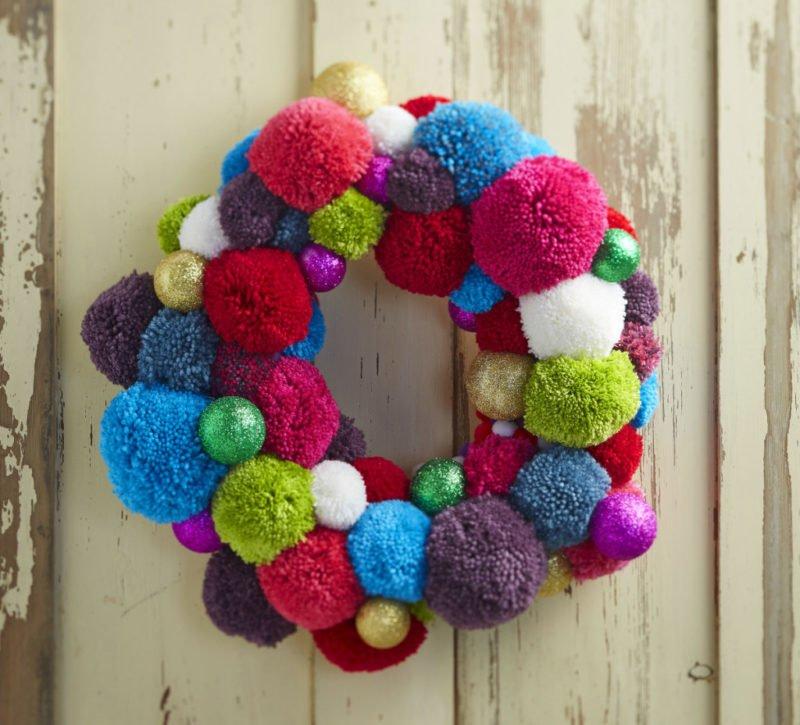 Inspirações para usar pompom de lã na decoração do Natal  3330c0a8b4f