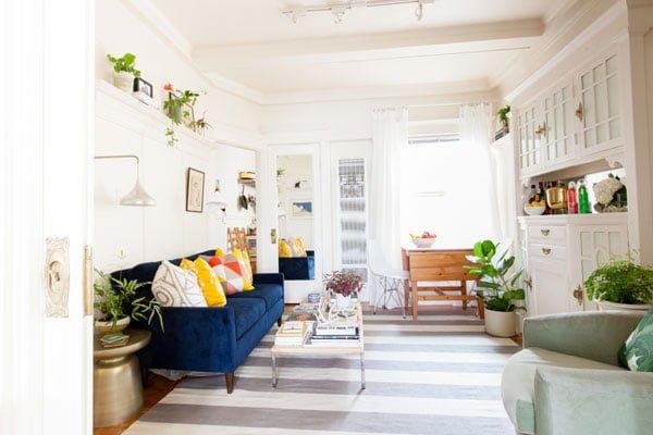 sala renovada Alison-Living-Room3