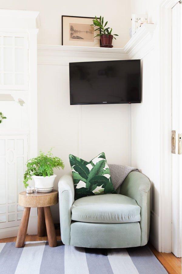 sala renovada Alison-Living-Room7