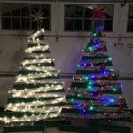 Como montar duas árvores de Natal a partir de um único pallet
