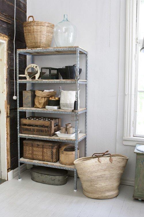 estante de aço na decoração
