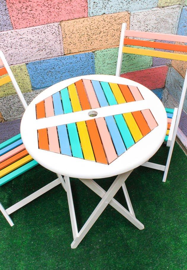 móveis coloridos