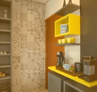 Nichos na decoração da cozinha compacta