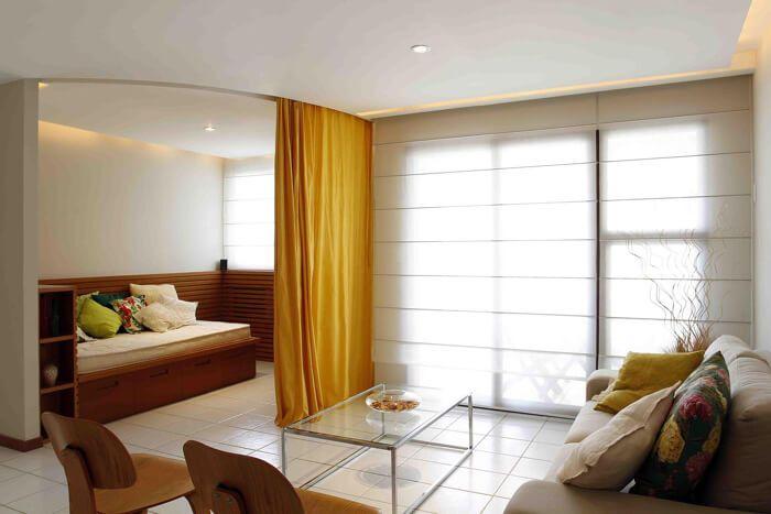 sala de estar com cortina